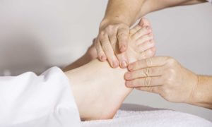 Tips To Give a Foot Message Therapy